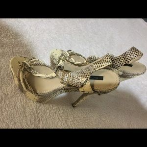 *New Without Tag* Rachel Zoe Snake Skin heels